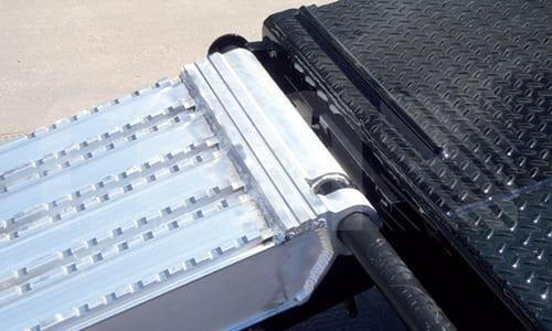 Аппарели алюминиевые, для тяжелой колесной гусеничной техники на металлическом ходу: