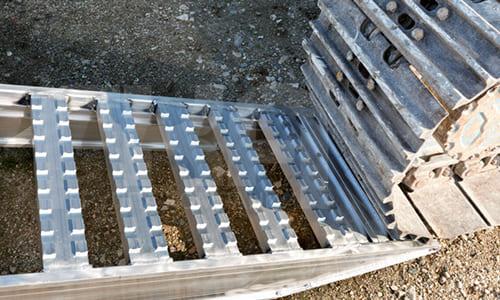 Универсальные алюминиевые погрузочные рампы